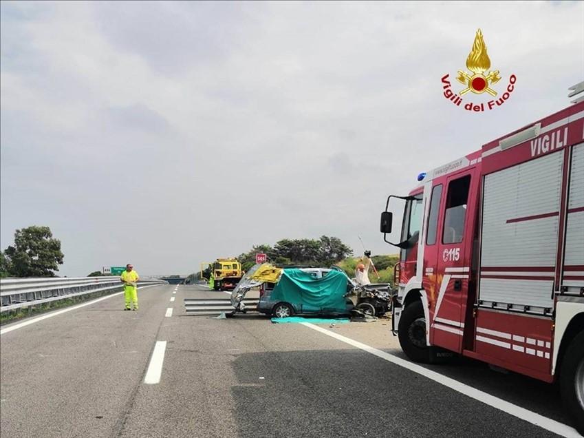 Incidente stradale sull' A14: morte due persone