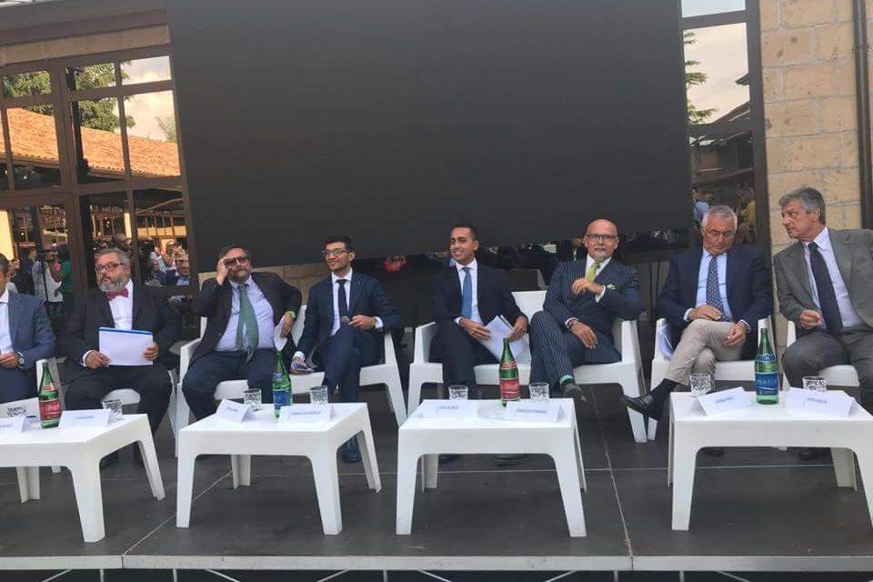 """Di Maio: """"Parte la Zona economica speciale in Campania, meno burocrazia e meno tasse"""""""