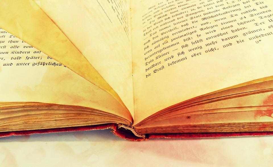"""Napoli. Restituiti alla Biblioteca Nazionale """"Vittorio Emanuele III"""" 8 volumi del XVIII sec. rubati prima del 1990"""