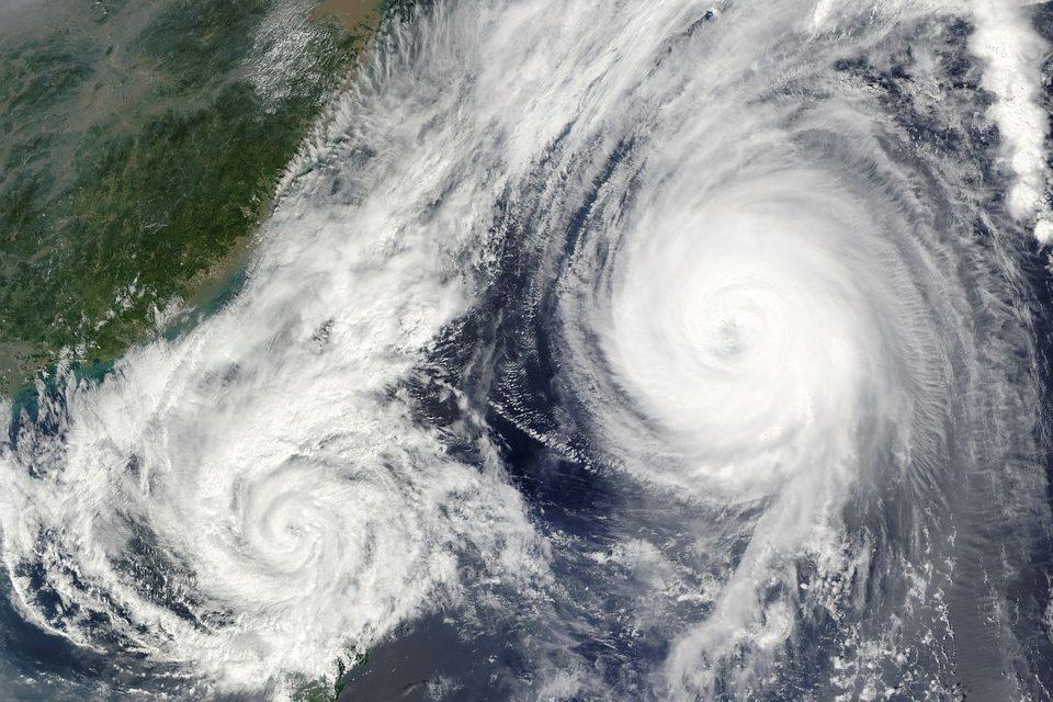Hong Kong. Il tifone Manghkut semina distruzione e morte: bilancio drammatico