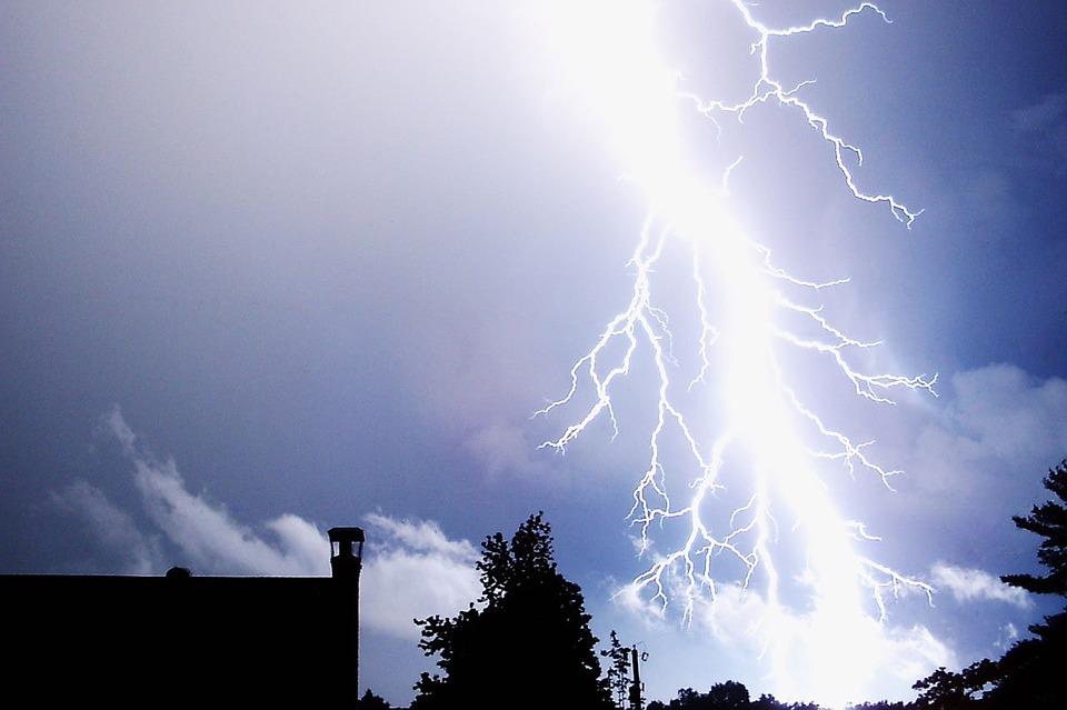Meteo martedì 25 settembre: molte nuvole e vento forte. Allerta gialla in Sicilia