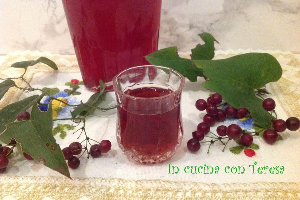 Il liquore cherry fatto in casa. Ecco tutti i segreti e il periodo giusto per farlo