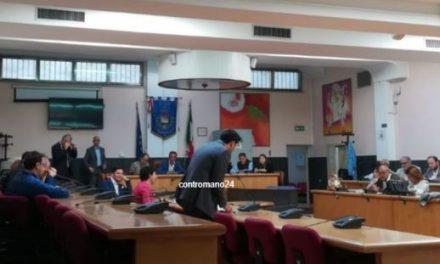 """Casoria. Santillo si dimette da consigliere comunale, entra Graziuso al suo posto: """"Città abbandonata"""""""
