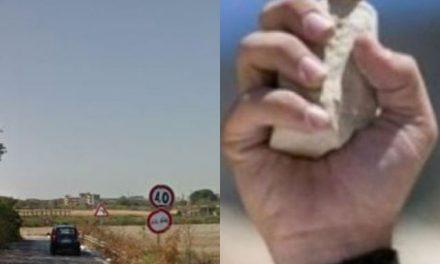 Afragola – Casoria. Lancio di sassi per rubare auto: «Sono salva ma fate attenzione a questa zona»