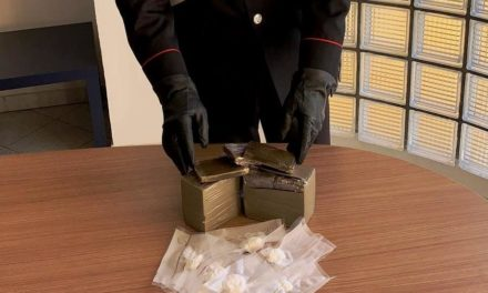 Arzano. I carabinieri scoprono droga in un vecchio casolare abbandonato