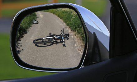 Giugliano, investe tre ciclisti uccidendone uno: arrestato