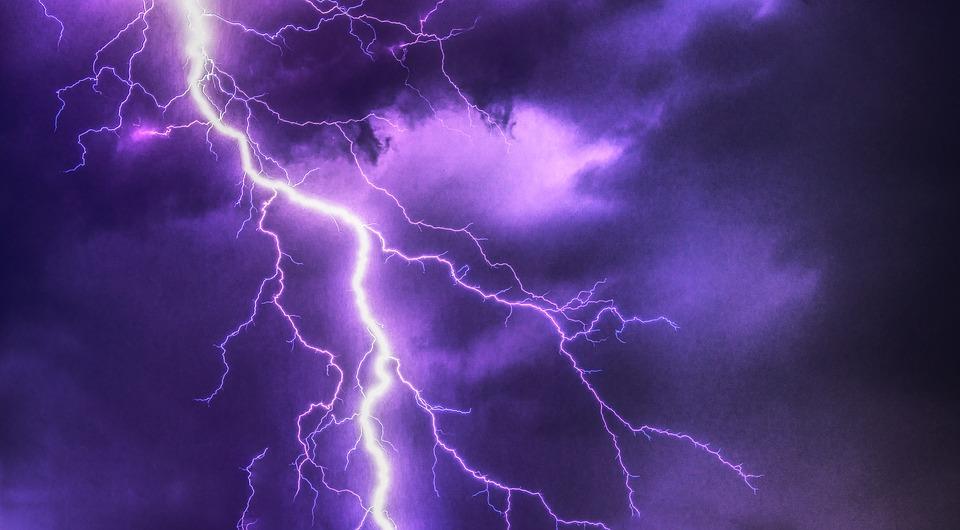 Italia flagellata dal maltempo. Allerta meteo da Nord a Sud