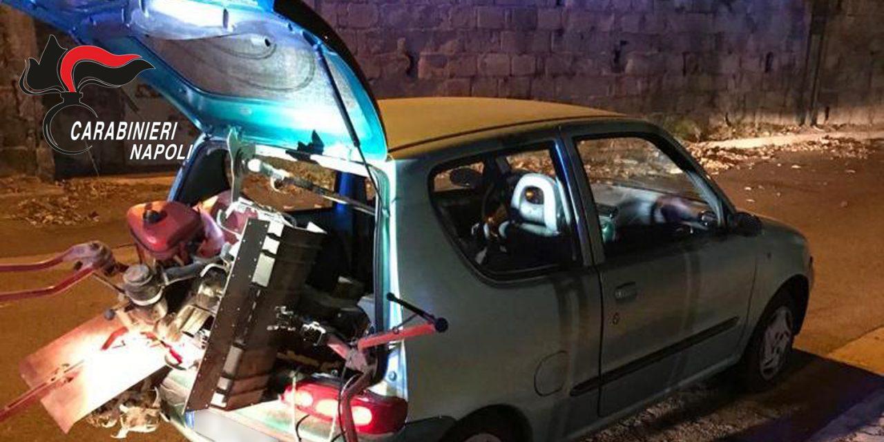 Pozzuoli. Non si ferma all'alt dei carabinieri: abbandona auto con macchinari agricoli rubati e fugge