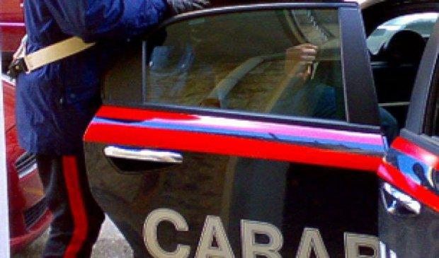 Napoli. Dieci furti in negozi di abbigliamento: arrestato 51enne