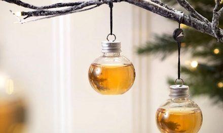 Novità Natale 2018: l'albero con le palline piene di Gin