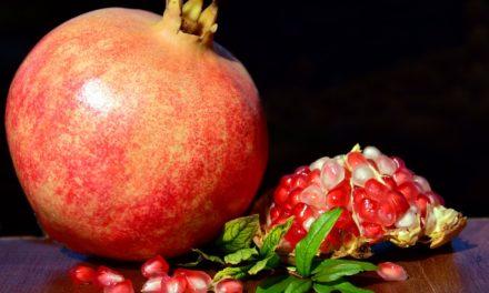 Diamo il benvenuto al superfood di ottobre: la melagrana