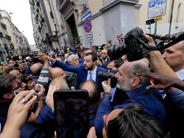 Salvini ritorna a Napoli. L'aveva promesso, l'incontro giovedì 15 Novembre