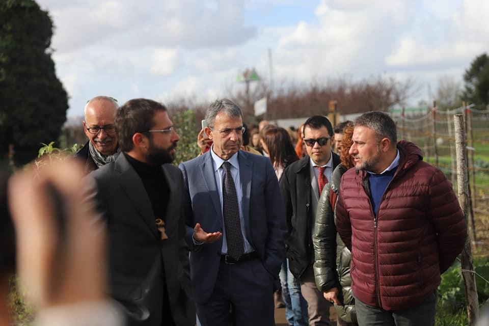 """Il ministro dell'ambiente Costa ad Afragola: """"Chi inquina il territorio per me è come un mafioso"""""""
