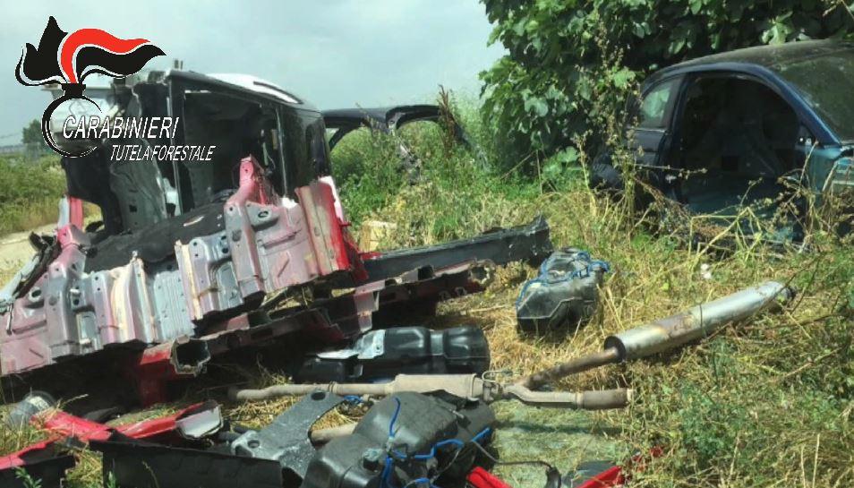 Arrestati tre uomini di Casoria per riciclaggio di autovetture rubate: i telai smaltiti ad Afragola