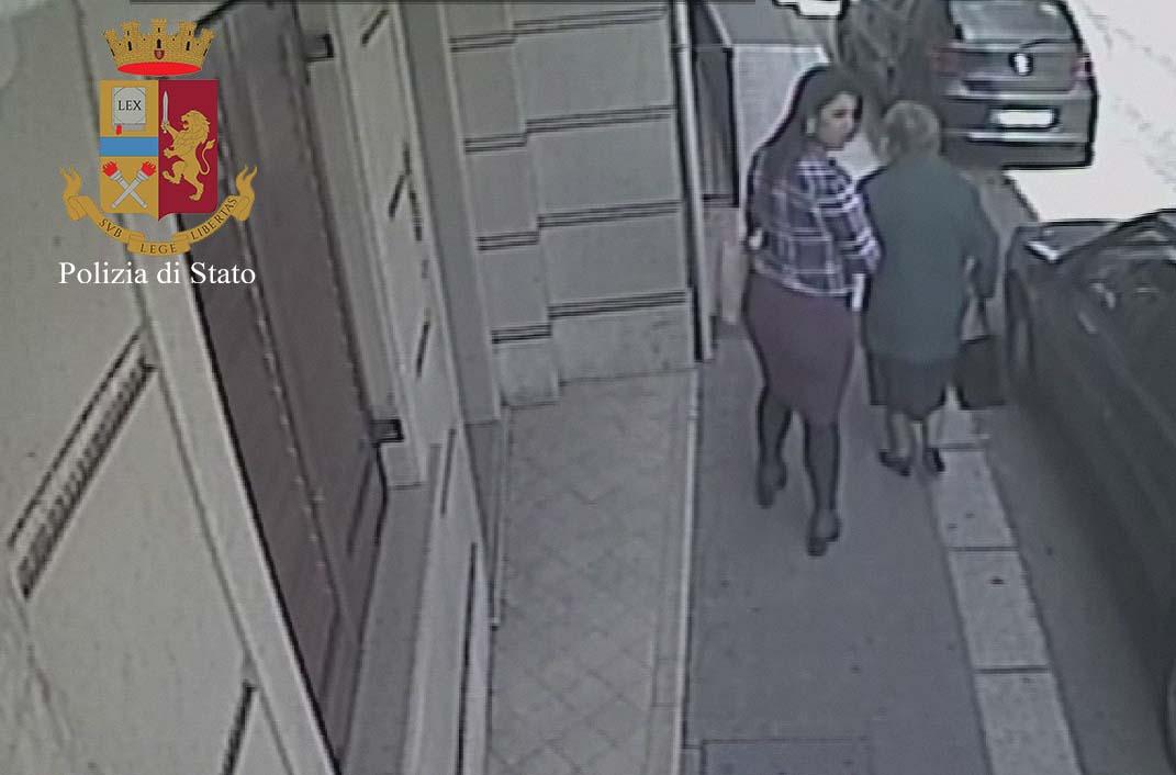 Ragusa. Truffavano anziani: polizia arresta due donne
