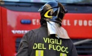 Palazzina a Verona invasa dal fuoco e fumo: 20 persone in ospedale