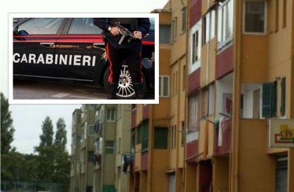 Controlli del territorio ad Afragola. Blitz dei carabinieri nelle Salicelle: sequestrati armi e droga