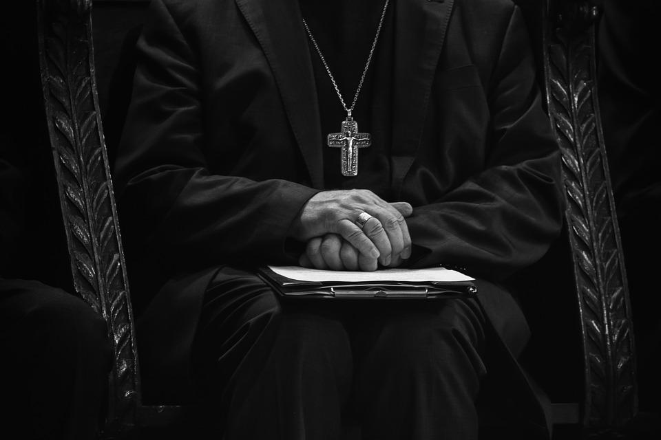 Campania: si attendono le nomine per i nuovi vescovi di Salerno e Alife