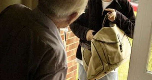 Ercolano. Truffatore e rapinatore arrestato dai carabinieri: la coraggiosa 78enne smaschera l'uomo