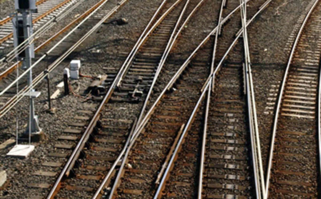Un morto e otto feriti in un incidente ferroviario in Spagna