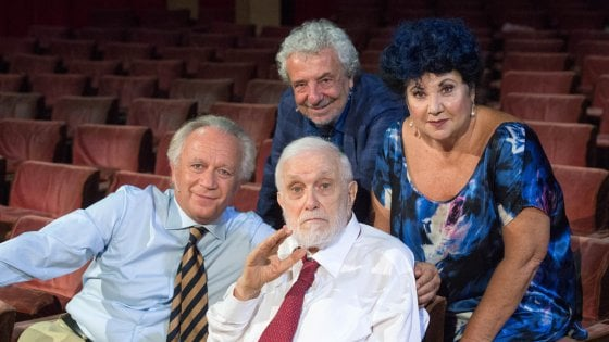"""Teatro Italia: """"Così parlò Bellavista"""", la commedia tratta dal film e dal libro di De Crescenzo"""