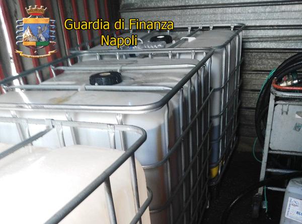 La Guardia di Finanza sequestra due depositi di carburante a Casavatore
