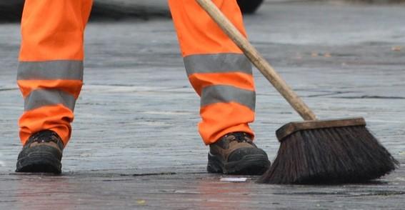 """I dipendenti CITE protestano: """"Gratis non è lavoro"""". Sant'Antimo rischia il blocco della raccolta differenziata"""
