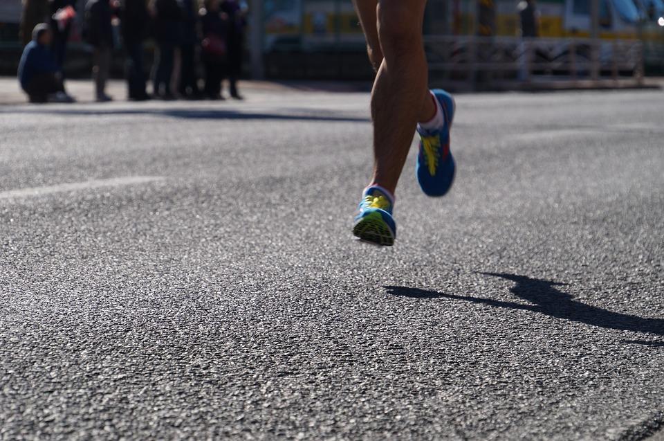 Napoli City Half marathon: il 24 febbraio una fiumana di podisti multicolore