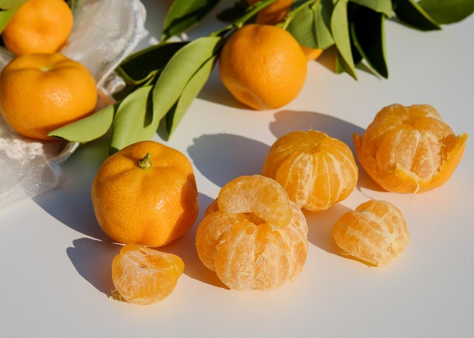La città di Pozzuoli omaggia il mandarino: cibo, musica e divertimento