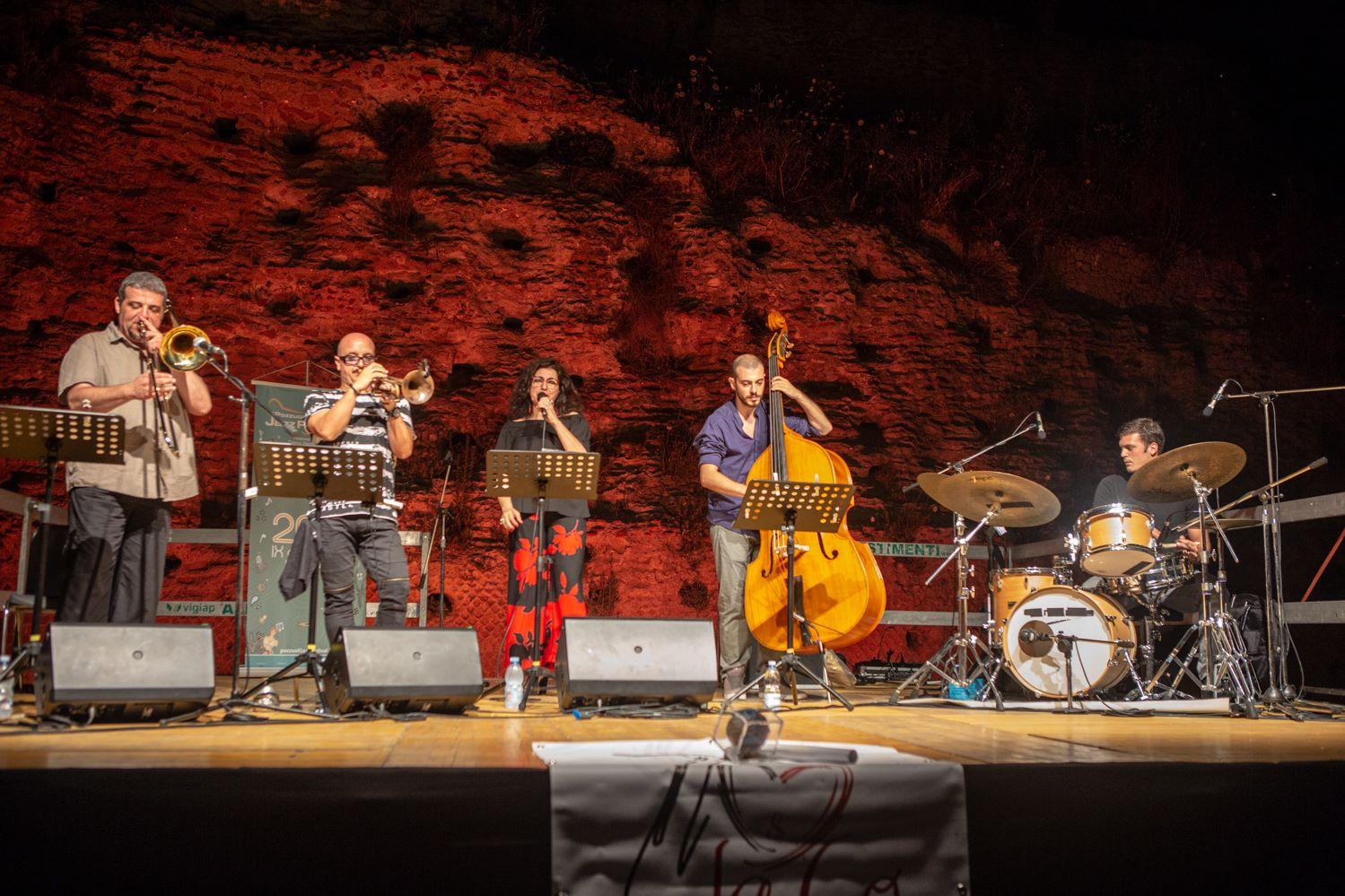 """""""Porta il tuo strumento musicale e suona liberamente"""". Il 21 marzo al Parco Archeologico dei Campi Flegrei"""