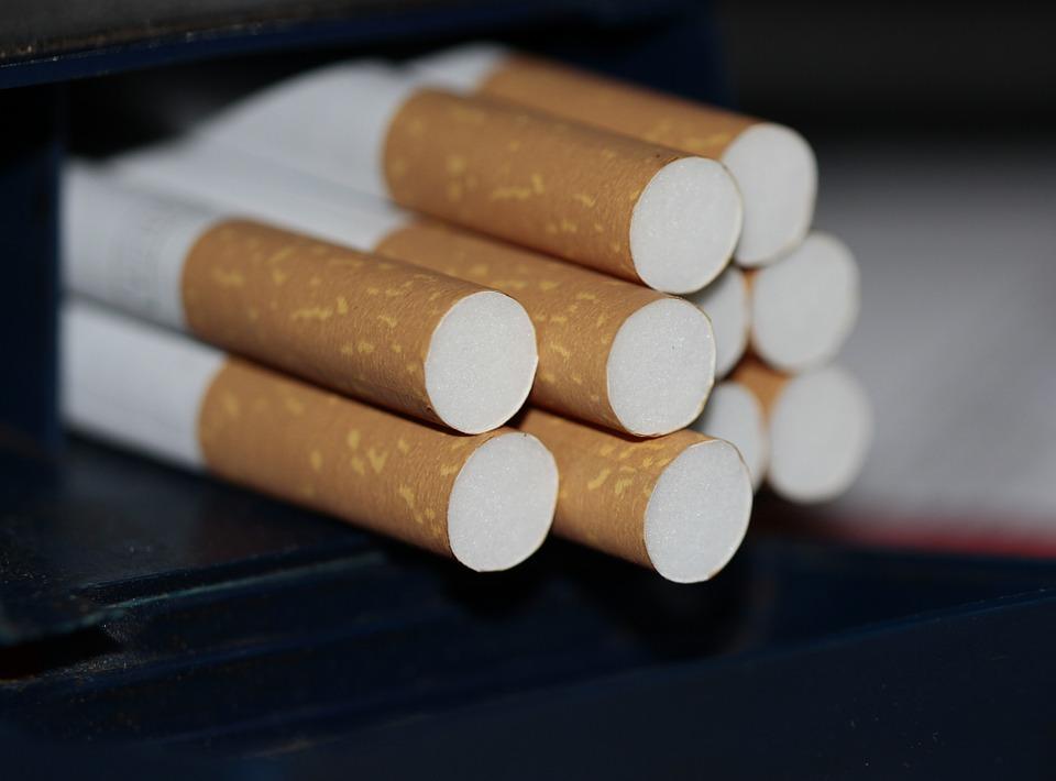 Contrabbando di sigarette, la Guardia di Finanza sequestra oltre 5 tonnellate di sigarette a Caivano