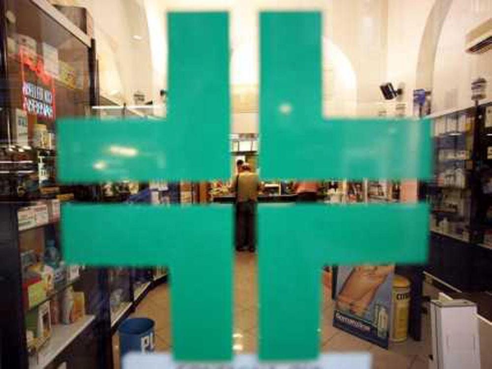 Rapine alle farmacie di Napoli: arrestato un 46enne di Marano