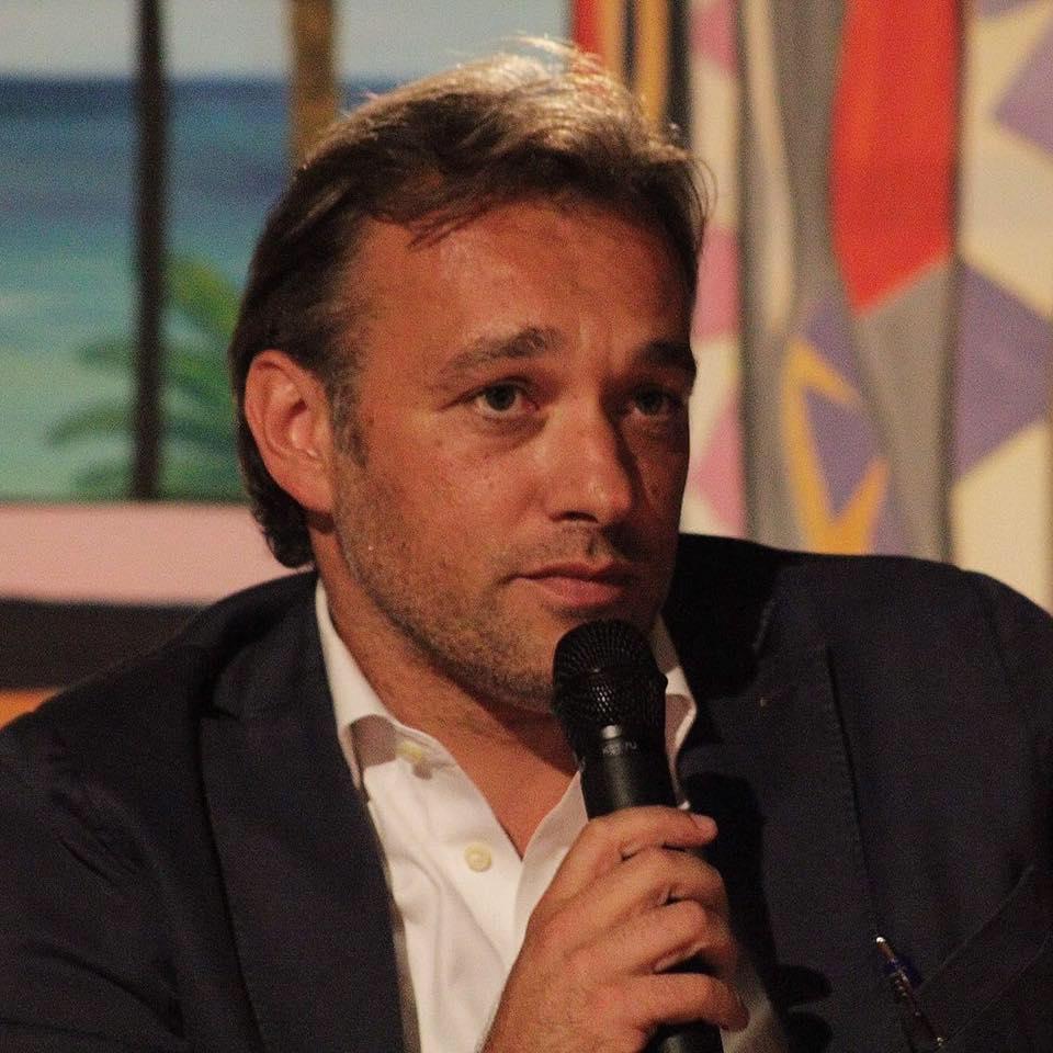 Matteo Richetti investito da un'auto: ricoverato in ospedale