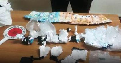 Ottaviano. Cocaina nascosta nei barattoli in cucina: arrestato 48enne