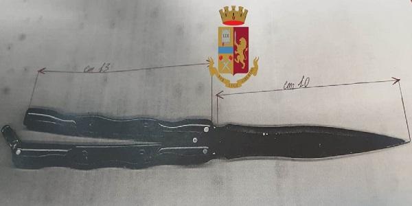 Napoli. Trovato in possesso di armi: denunciato un 15enne
