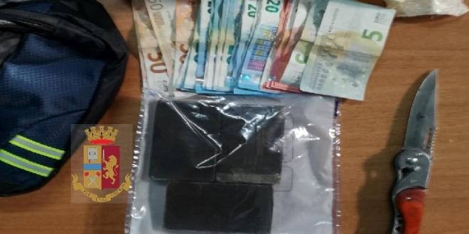 Somma Vesuviana: droga e soldi nascosti in casa, arrestato 22enne