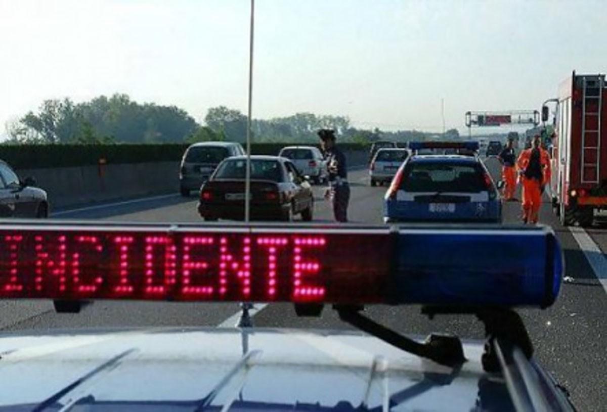 Spaventoso incidente stradale in Autostrada tra Acerra e Afragola: due morti e cinque feriti