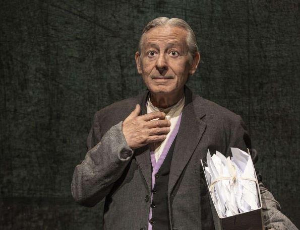 """Al Teatro Sannazaro di Napoli va in scena """"Bartleby lo scrivano"""" con Leo Gullotta"""