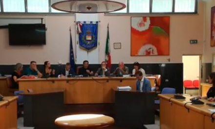 """Casoria. L'opposizione attacca il presidente del consiglio comunale Capano: """"E' inadeguato"""""""