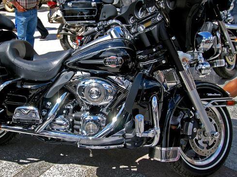 Controllo dei carabinieri al raduno dei motociclisti a Montevergine: scattano le sanzioni