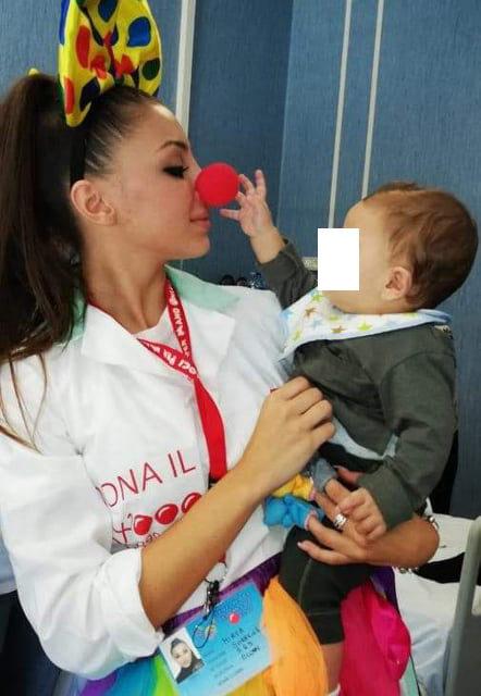 La miss che dona un sorriso ai bisognosi alla finale di Miss Grand in Venezuela