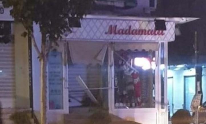 """Commerciante colpito da una bomba. Il movimento """"Casoria Viva"""" incontra il proprietario"""