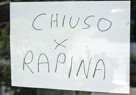 Malviventi in azione all'ufficio postale di via Cavour: la città di Casoria non controllata e insicura