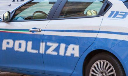 Ruba lo zaino ad un autista di bus fermo allo stazionamento di Piazza Garibaldi: arrestato