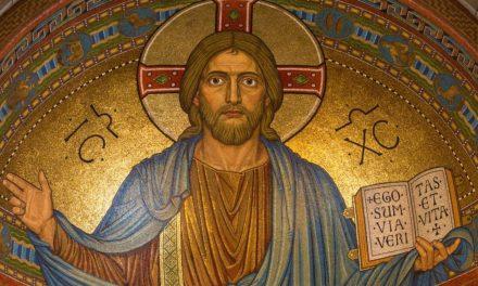 Napoli. Il cardinale Sepe scrive ai sacerdoti e stabilisce le regole per Pasqua