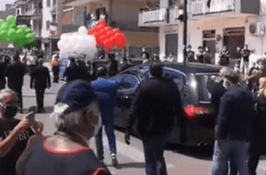 Dopo i funerali del sindaco Sommese, la città di Saviano diventa zona rossa: la decisione della Regione