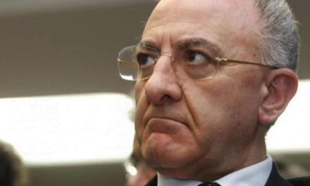 """De Luca: """"La fornitura di vaccini prevista per la Campania è stata dimezzata"""""""