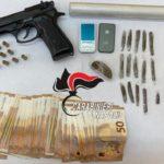 Qualiano. Aveva in casa droga e una pistola scenica: arrestato uomo