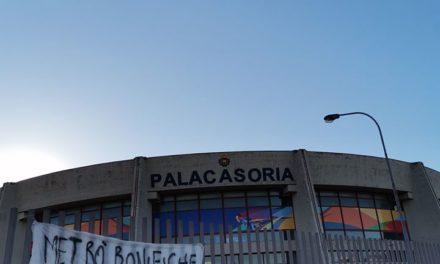 Casoria. Arriva De Luca in città: esposti striscioni contro il Presidente della Regione Campania