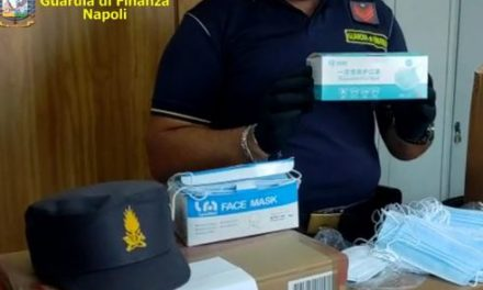 Sequestrate dalla Guardia di finanza di Napoli 73.000 mascherine non a norma